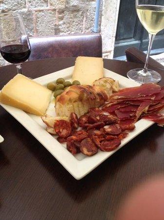 D'vino Wine Bar : The Platter. Yum