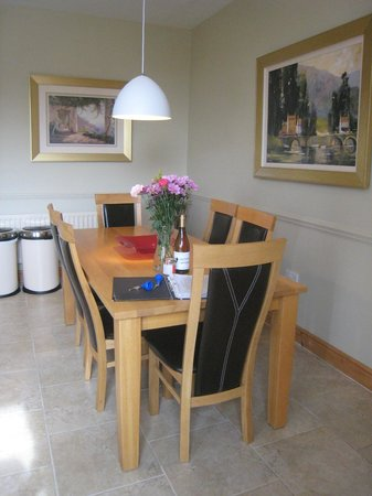 Doxford Cottages: Dining table in kitchen/dining room