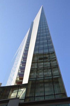 Sofitel Chicago Magnificent Mile: facade Sofitel