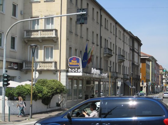 BEST WESTERN Bologna Hotel - Mestre Station: View from Mestre Railway station