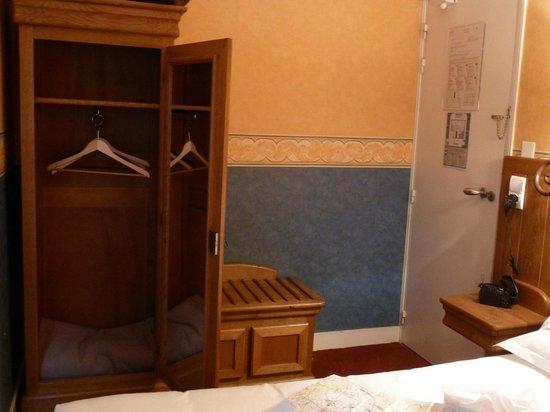 La Mere Poulard: Aspecto de la habitación de 150€ solo dormir