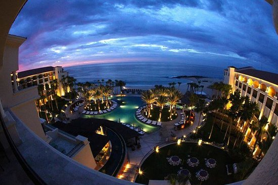 Hilton Los Cabos Beach & Golf Resort: Day break view