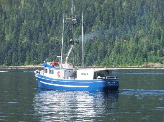 Cowichan Wooden Boat Society : some of the vessels you may sea in bay