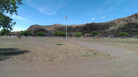 Fort Davis National Historic Site : Parade grounds with Officer's quarters in the background