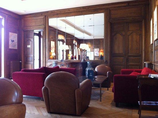 Hotel Villa Navarre : Salon intérieur