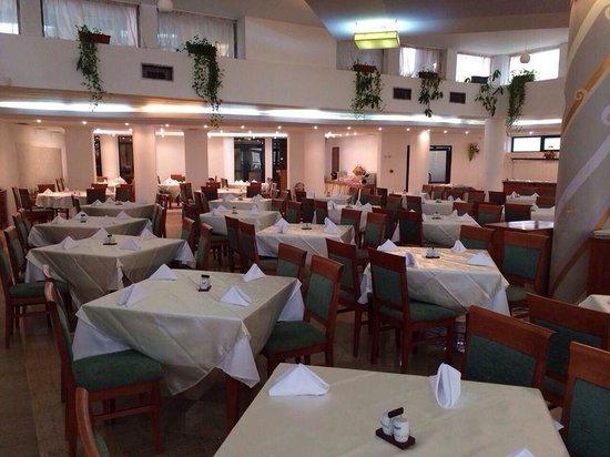 Grand Hotel Sunny Beach: Dining room