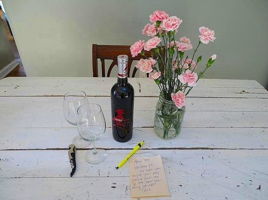 Armory Quarters : the wine and flowers