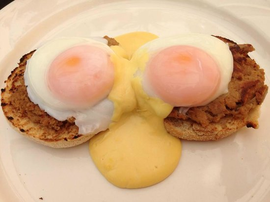 Hepworth Guest House : veggie eggs Benedict, they do bacon too