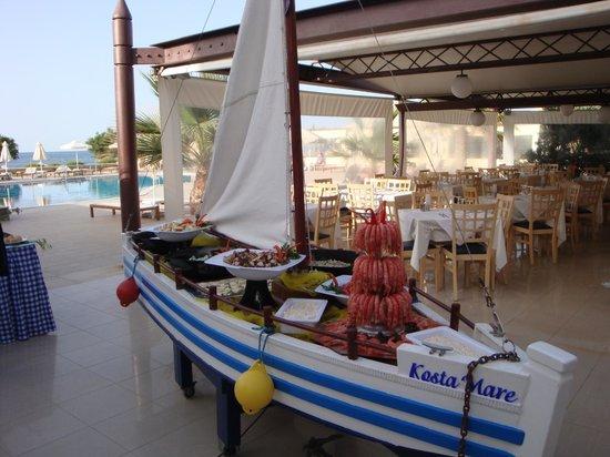 Kosta Mare Palace Hotel : Dit is slechts een klein onderdeel van het speciale visdiner