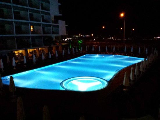 Sensimar Andiz by Barut Hotels: Pool at night