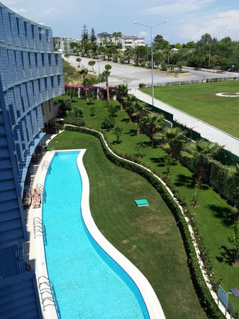 Sensimar Andiz by Barut Hotels: View of swim up rooms from our balcony
