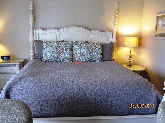 Inn at Harbor Hill Marina: Morgan Room