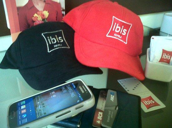 Hotel Ibis Yogyakarta Malioboro: souvenir by ibis