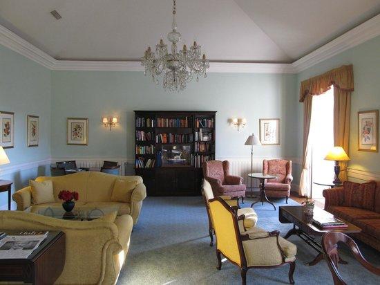 Casa Velha do Palheiro : The tea lounge in the main house