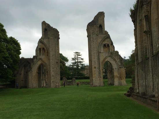 Tor's Tour of the Tor: Glastonbury Abbey Ruins