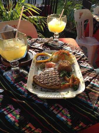 Monchis: Tuna Steak