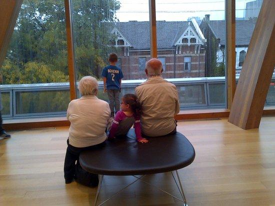 Art Gallery of Ontario (AGO): Chillin'