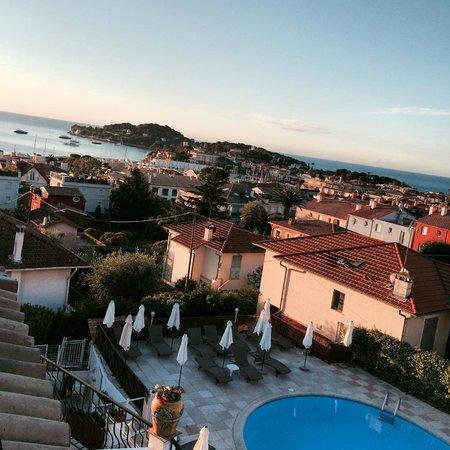 Hotel & Spa la Villa Cap Ferrat : Sunrise view from the room 2 nd floor