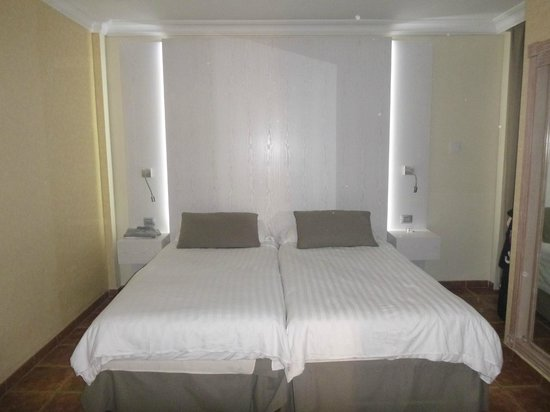 Villa Mandi Golf Resort : bedroom