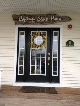 Inn at Harbor Hill Marina: Capt Clark Hse