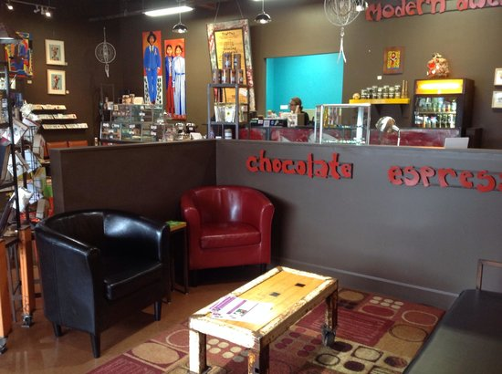 Modern Dwellers Chocolate Lounge: The lounge has a great atmosphere