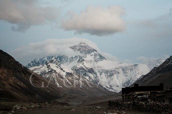 Mt. Qomolangma Nature Reserve: The Mount Everest, standing tall @ 8848 mts, ruling the horizon