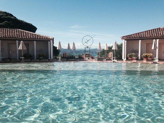 Chateau De La Messardiere: piscine