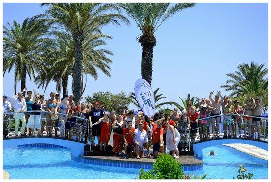 Rodos Princess Beach Hotel : Notre groupe et les animateurs