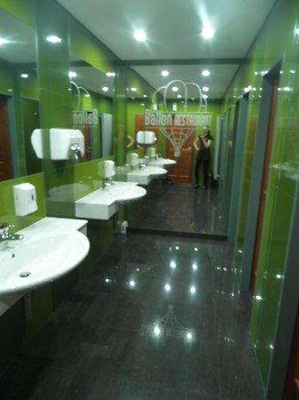 Avion : The restaurant bathroom