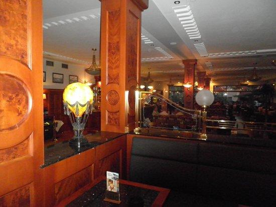 Avion : In the aviation-themed restaurant