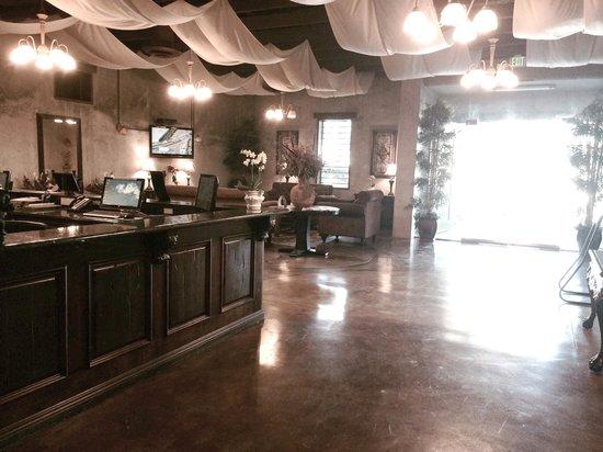 Comfort Inn Pomona: Lobby