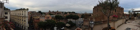 Made in Rome Bed&Breakfast : The view from the terrace