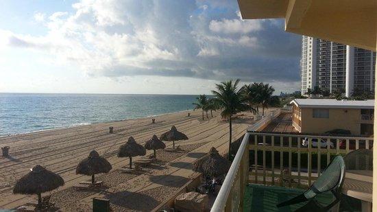 Days Hotel - Thunderbird Beach Resort: vista desde la habitación