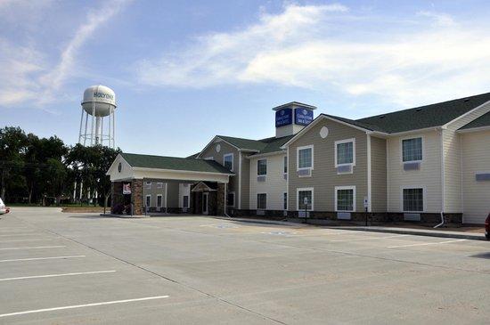 Cobblestone Inn & Suites Holyoke, CO: Hotel Exterior
