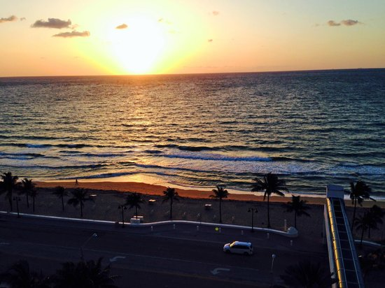 The Westin Beach Resort, Fort Lauderdale : Awesome sunrise view from our room