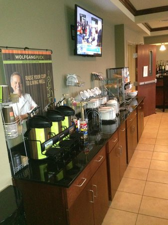 Cobblestone Inn & Suites Holyoke, CO: Breakfast Area