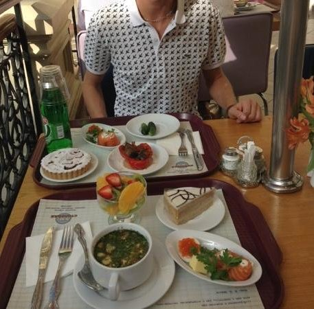 Stolovaya 57 : what we chose from cabinet, wider range in resteraunt