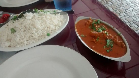 Everest Indian Cuisine: Chicken curry