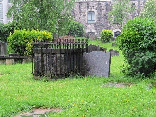 St. Michan's Church : Cemetery