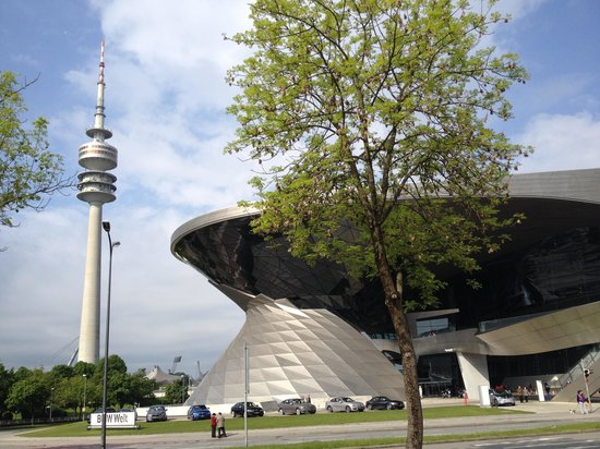 Olympiaturm: Ground view