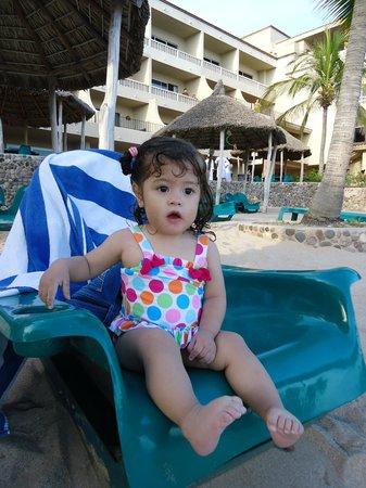 Hotel Playa Mazatlan: mi nena disfrutando, ella relax