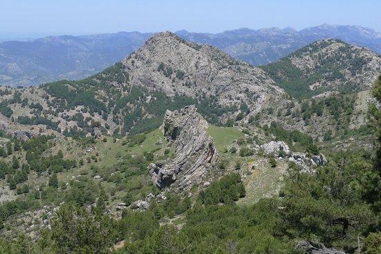 Parque Natural Sierra de Cazorla: Rock formations from Loma de los Castellones