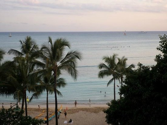 Aston Waikiki Beachside Hotel : View from my 7th floor room