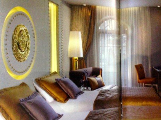 Sura Design Hotel & Suites: Chambre avec balcon