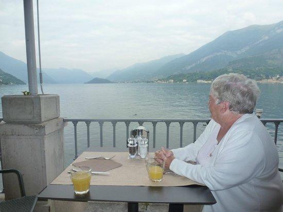 Hotel Metropole Bellagio: Breakfast view.