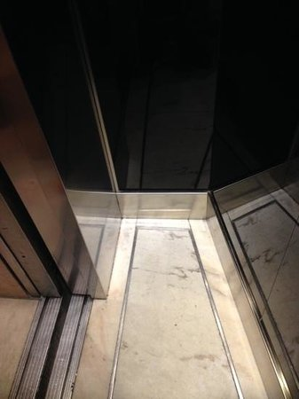 Hotel Arosa: One of the lifts...