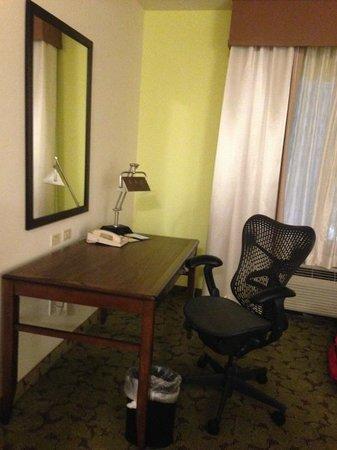 Hilton Garden Inn Boca Raton: Desk/chair