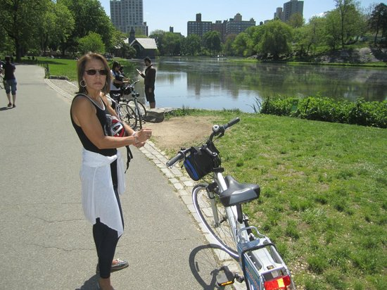 Bike and Roll NYC : Next to Harlem Meer at the north part of Central Park