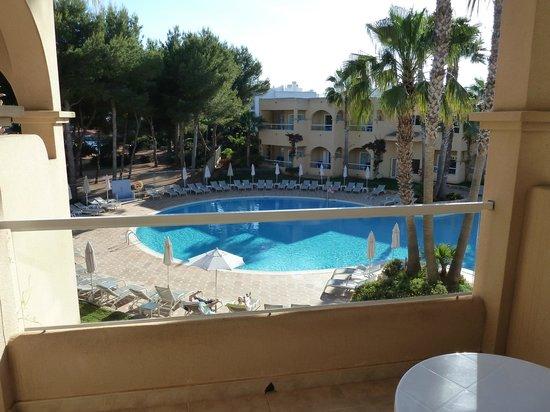 Grupotel Santa Eularia Hotel: Pool from balcony