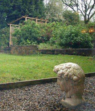 The Hopper Lane Hotel: Garden from our room